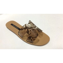 Serpentine flat sandals slippers BY9082